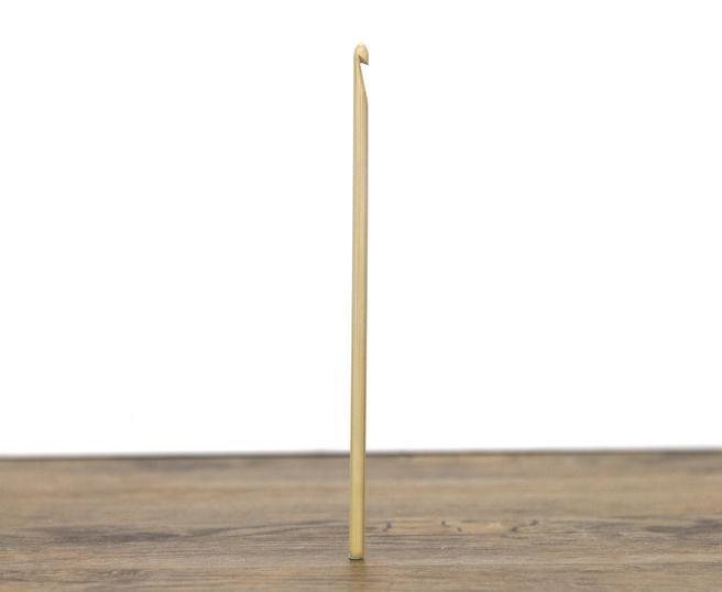 Croseta handmade lemn 3.25mm