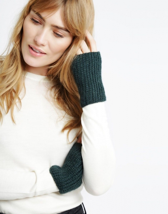 Kit tricotat manusi Full of Love Mittens 4