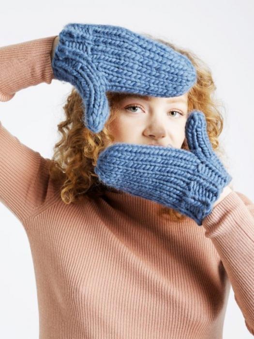 Kit tricotat manusi Fight the power 0