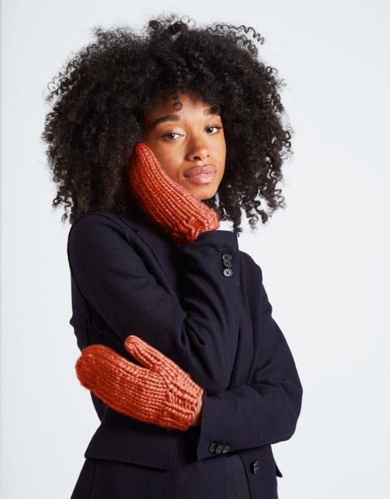 Kit tricotat manusi Fight the power 2